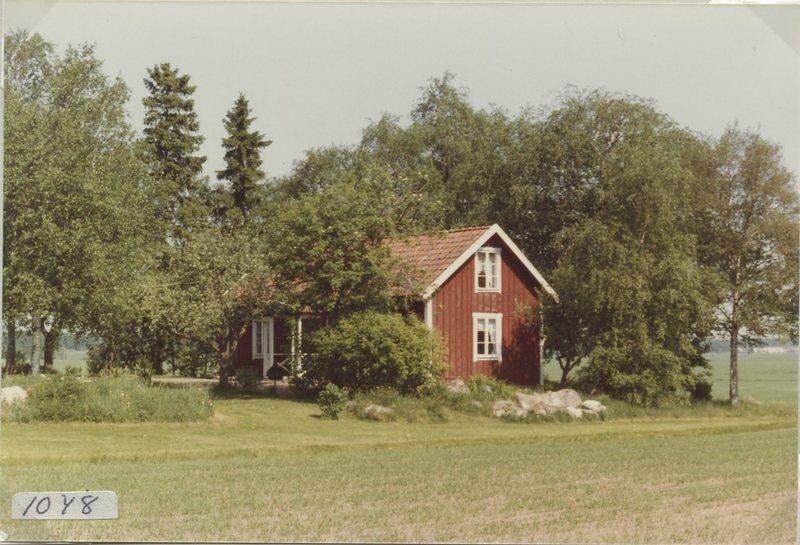 1048-1.jpg